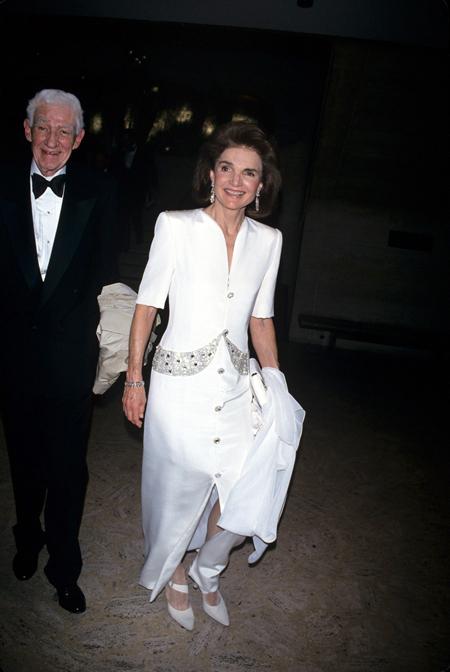 Thời trang quý phái của phu nhân tổng thống Kennedy thời thượng