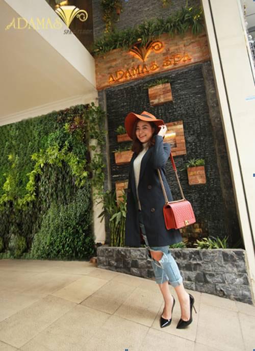 Theo dõi style năng động của Sao Việt thanh lịch