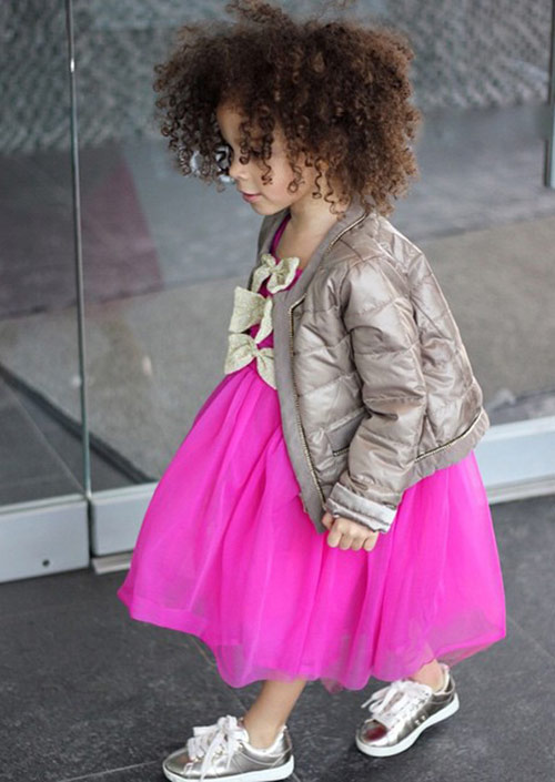 Thời trang của cô bé 3 tuổi khiến mọi người kinh ngạc