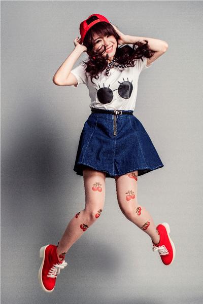 Hot Girl Thái Trinh chọn trang phục cho single cá tính
