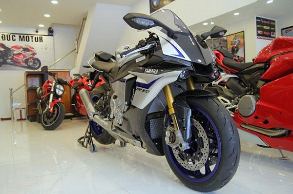 Hình ảnh Yamaha R1M đặc biệt giá gần 900 triệu tại Việt Nam