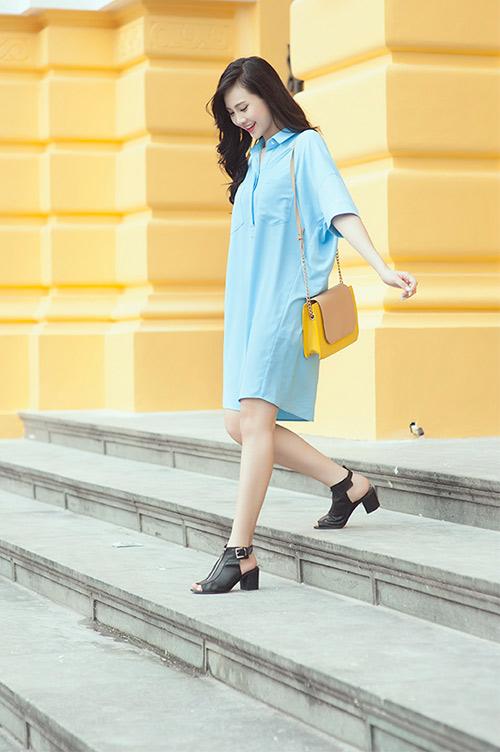 Phong cách thời trang Nữ công sở đơn giản vẫn cuốn hút với màu nhạt