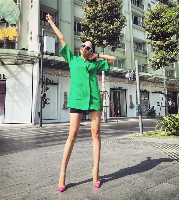 BST street style khác biệt của Phạm Hương và Kỳ Duyên
