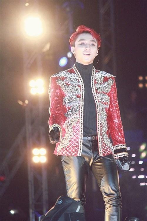 Những mẫu áo khoác của Sơn Tùng mất nhiều thời gian hoàn thành