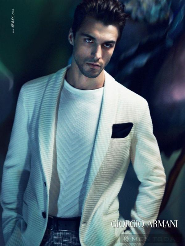 BST thời trang nam xuân hè của Giorgio Armani mạnh mẽ