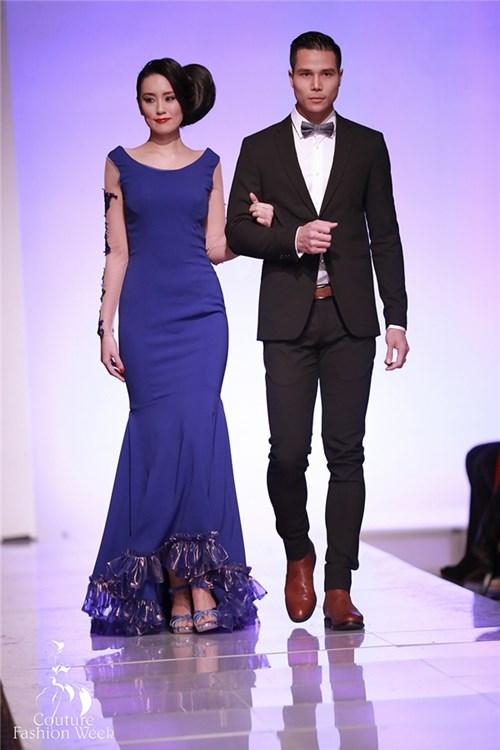 Người mẫu nam Việt Nam trình diễn tại New York Fashion Week tự tin