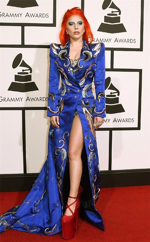 Phong cách đi giày như cà kheo, Lady Gaga vẫn chưa thỏa mãn