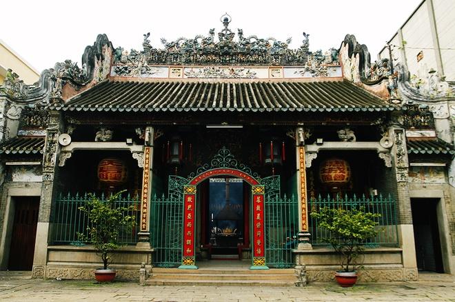 Quang cảnh ngôi chùa cổ 250 năm của người gốc Hoa ở Sài Gòn