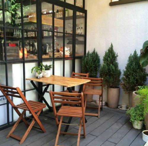 Những quán cà phê ấn tượng với khách Tây ở Sài Thành