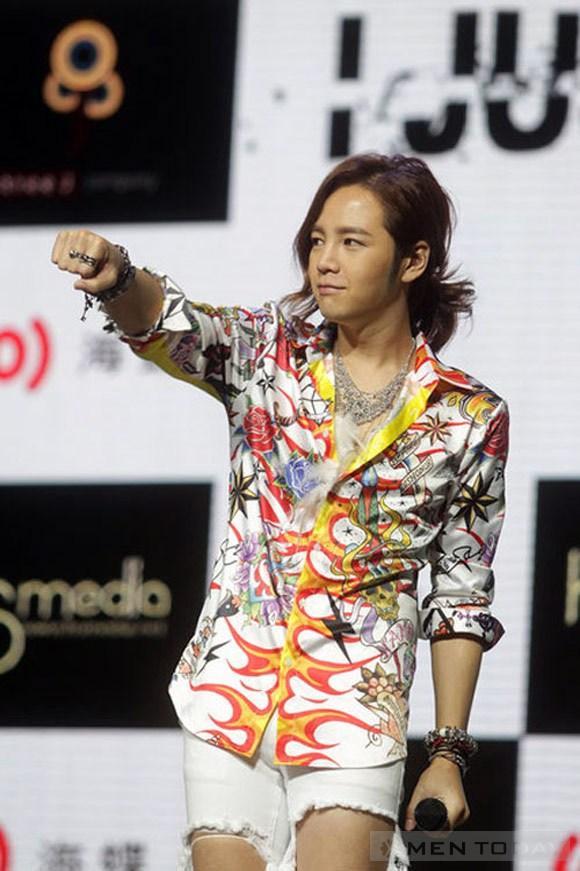 Những Style rách tả tơi của Jang Geun Suk mạnh mẽ