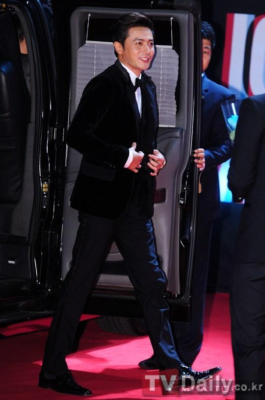 Phong cách Jang Dong Gun phong độ và lịch lãm cùng thời trang cá tính
