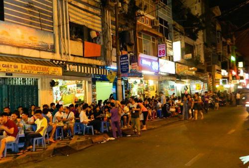 Xem xét khu phố Tây ở Sài Gòn thành phố đi bộ
