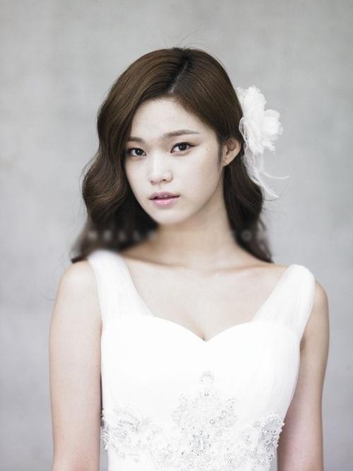 9 kiểu tóc cô dâu đẹp Hàn Quốc đơn giản quyến rũ cá tính