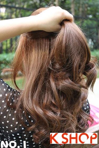 Cách búi tóc xoăn đơn giản tại nhà cho bạn gái mạnh mẽ