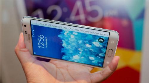 Galaxy Note 6 có thể dùng màn hình cong, pin 4.000 mAh