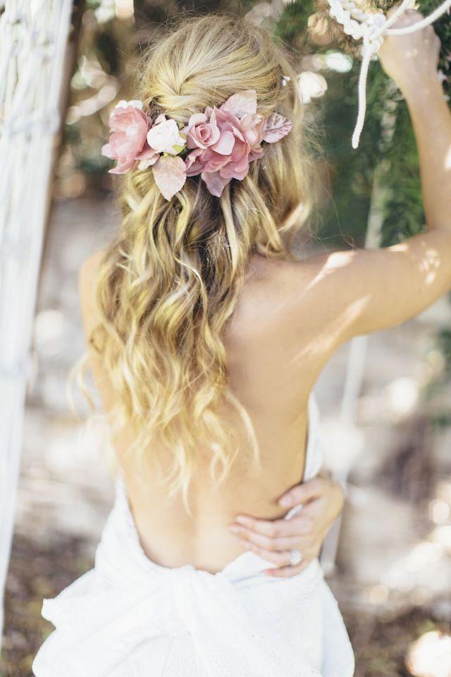 Kiểu tóc cô dâu đẹp sang trọng dịu dàng tự tin
