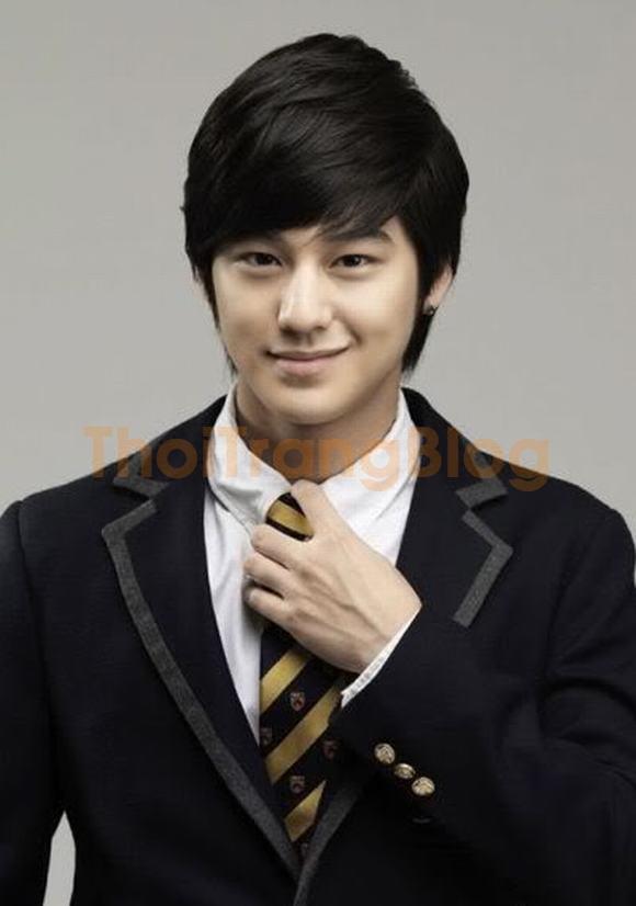 Kiểu tóc nam mái lệch xéo của sao kpop Hàn Quốc cá tính