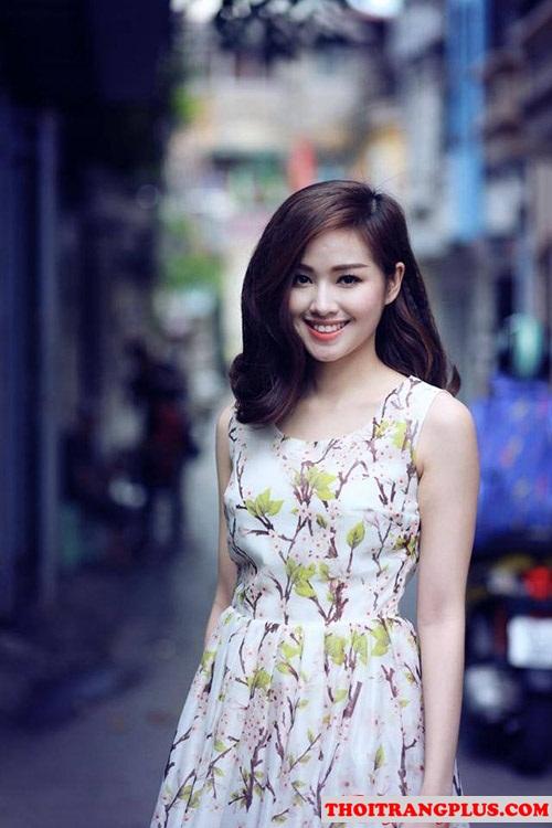 Những kiểu tóc uốn xoăn đẹp của Hot Girl Việt Tâm Tít mạnh mẽ