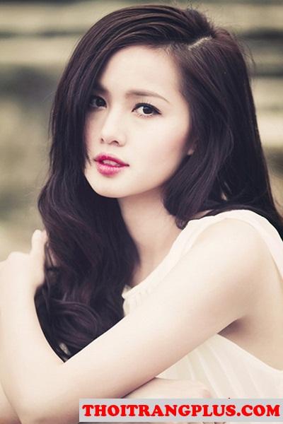 Những kiểu tóc uốn xoăn quyến rũ lôi cuốn Hot Girl Việt độc đáo
