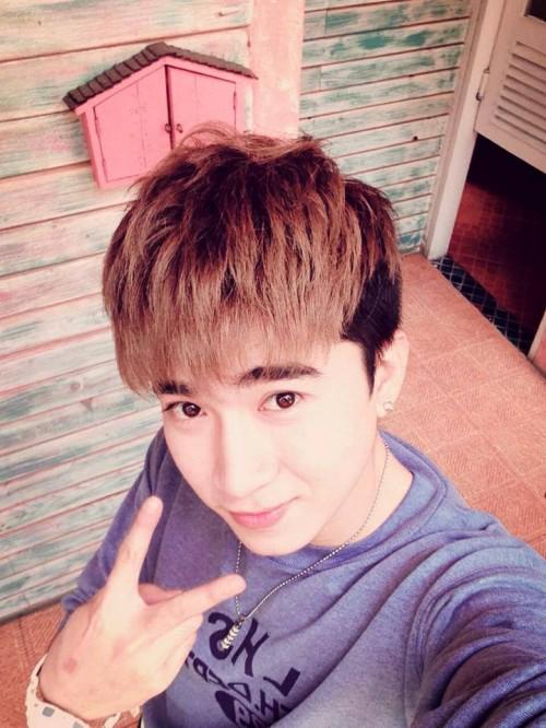 Phong cách tóc nam mái bằng đẹp sao kpop Hàn Quốc cho khuôn mặt dài