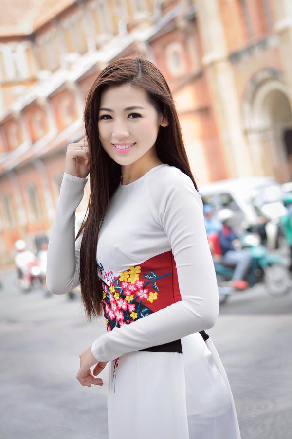 Tóc dài duỗi thẳng đẹp mượt mà nhất hiện nay của sao Việt