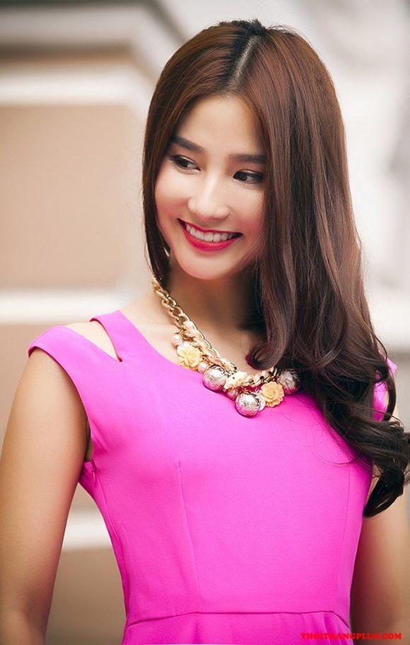 Tóc mái đẹp của sao Việt thu hút mọi ánh nhìn cá tính