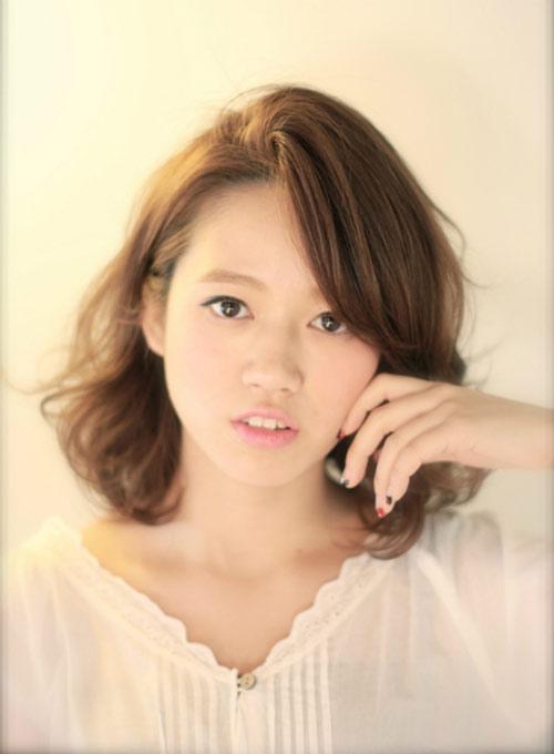 Tóc ngắn ngang vai đẹp Hàn Quốc cho bạn gái trẻ trung năng động