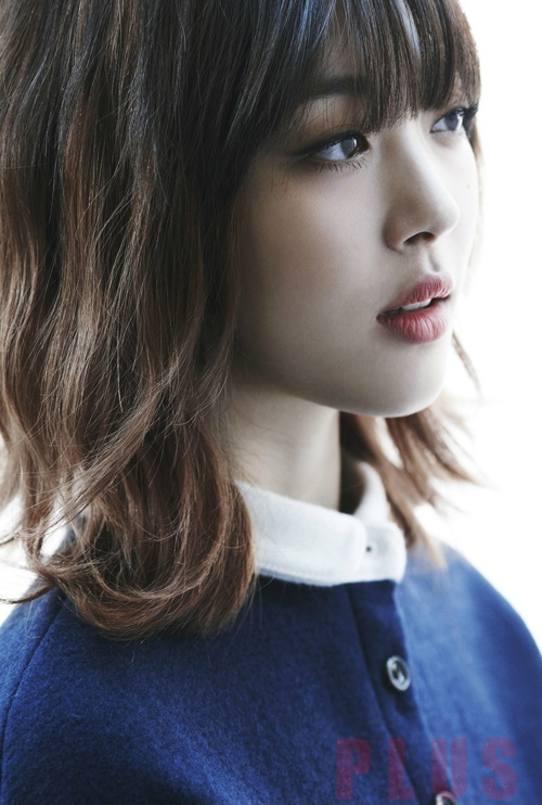 Tóc ngắn xoăn nhẹ đẹp bồng bềnh của ca sĩ Sulli Hàn Quốc