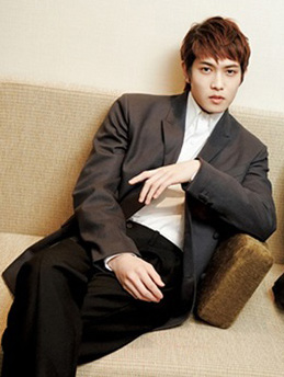 Áo khoác nam màu tối cho chàng sành điệu như sao Hàn