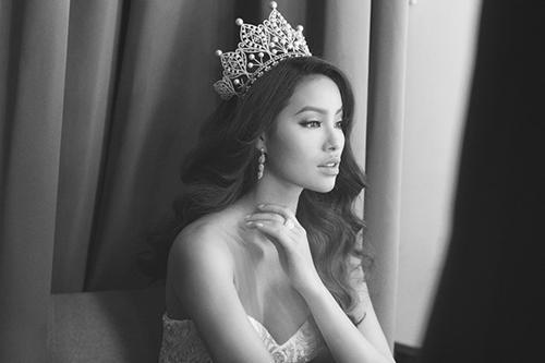 Phạm Hương lọt top 50 mỹ nhân đẹp nhất thế giới