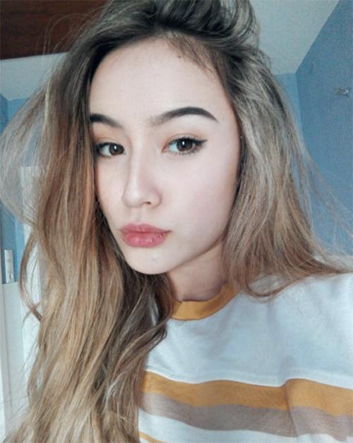 Vẻ đẹp lạ khó rời mắt của cô gái Việt lai Đức