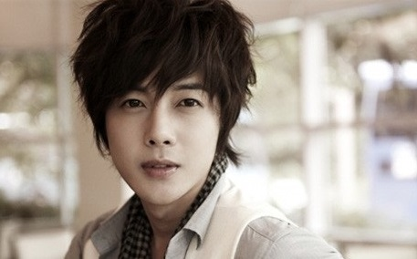 Những kiểu tóc nam thanh lịch, lãng tử phong cách Hàn