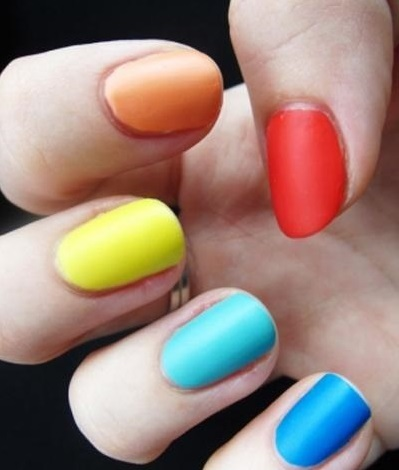 Cách sơn móng tay màu neon đơn giản mà đẹp