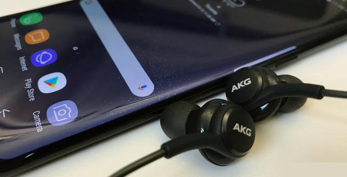 Tai nghe thông minh mới của Samsung sẽ ra mắt