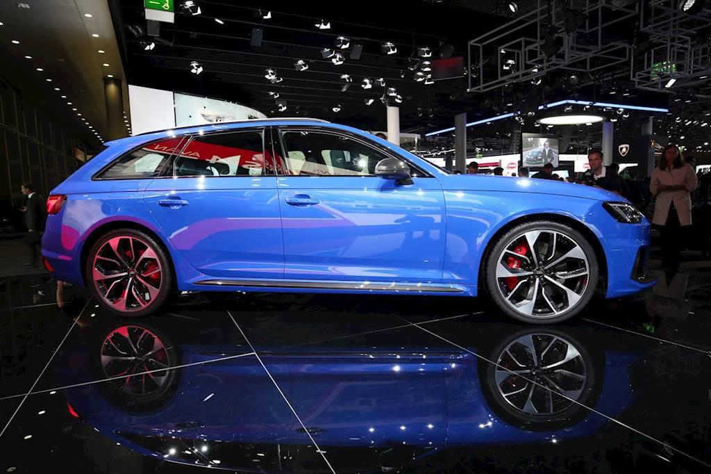 Audi RS4 Avant thế hệ mới, giá 95.600 USD