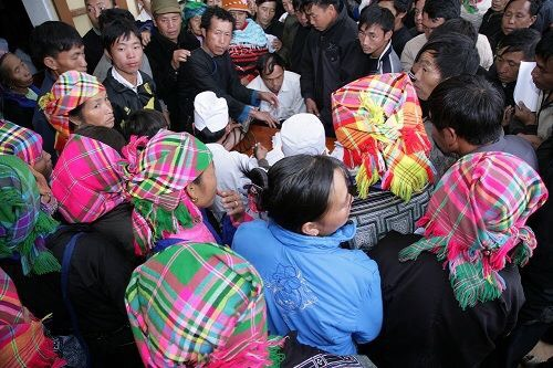 BV Bạch Mai khám sức khỏe dân tỉnh Yên Bái