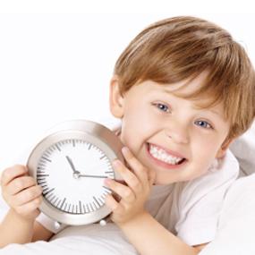 Mẹo hay đánh thức trẻ dậy sớm