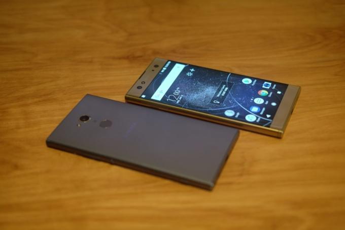 Sony tung ba smartphone 'độc' nhắm đến người dùng thích selfie