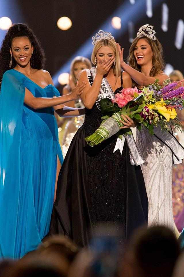 Cô gái 1m65 đã xuất sắc đăng quang Hoa hậu Mỹ