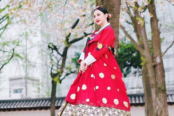 Khi các người đẹp Chi Pu, Mâu Thủy, Angela Phương Trinh diện Hanbok