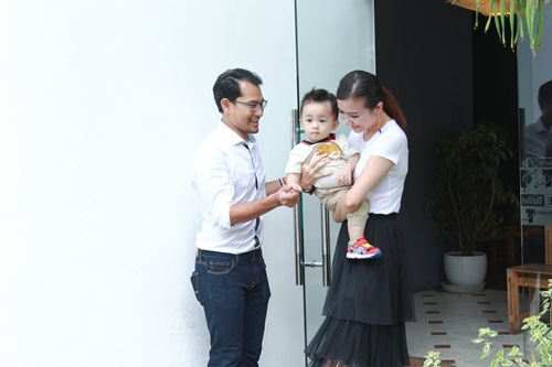 Con trai Huỳnh Đông - Ái Châu đáng yêu