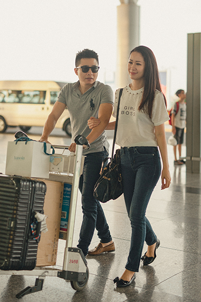 Dương Thùy Linh thi Mrs Worldwide tại Singapore