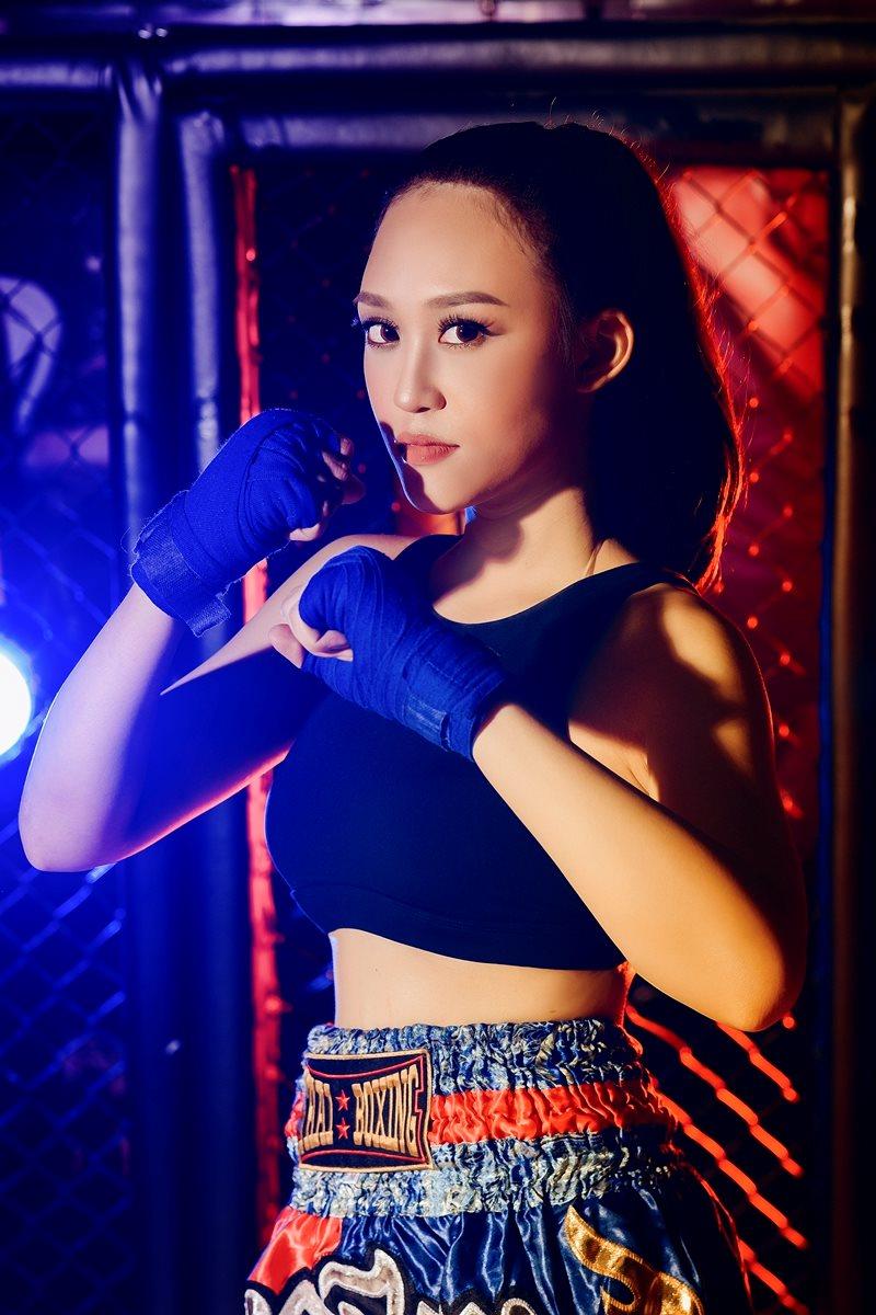 """Kira Kim Anh xuất hiện với hình ảnh một """"Sporty Girl"""" đầy mạnh mẽ, quyến rũ"""