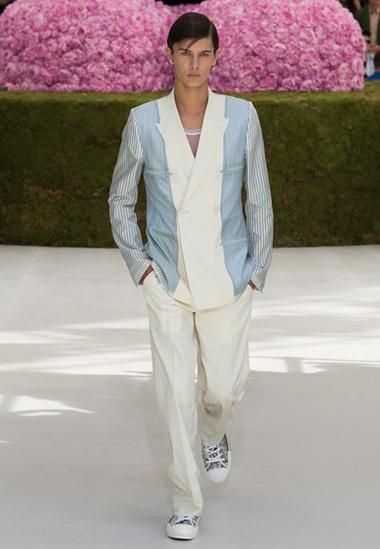 Siêu đẹp, Hoàng tử Đan Mạch diễn show thời trang của Dior