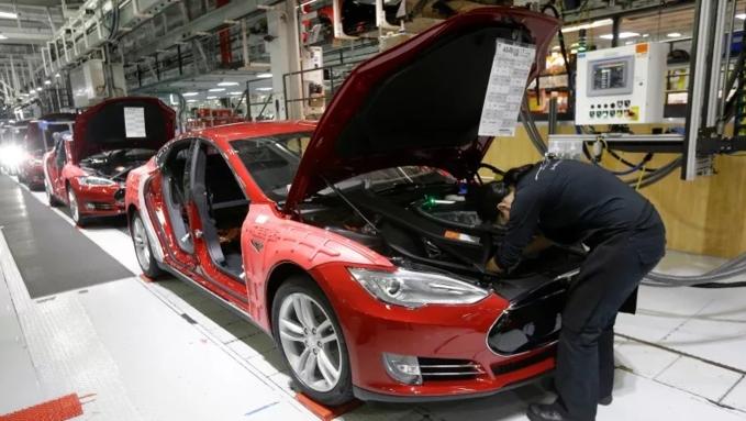 Tesla đã bị phá hoại đề nghị nhân viên cảnh giác