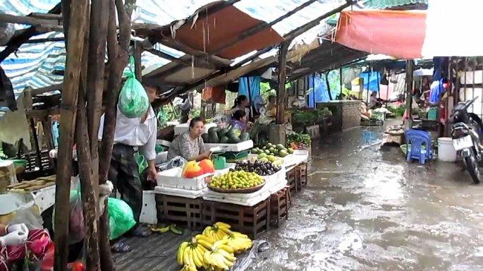 Làm cách nào để đảm bảo an toàn vệ sinh mùa mưa lũ?