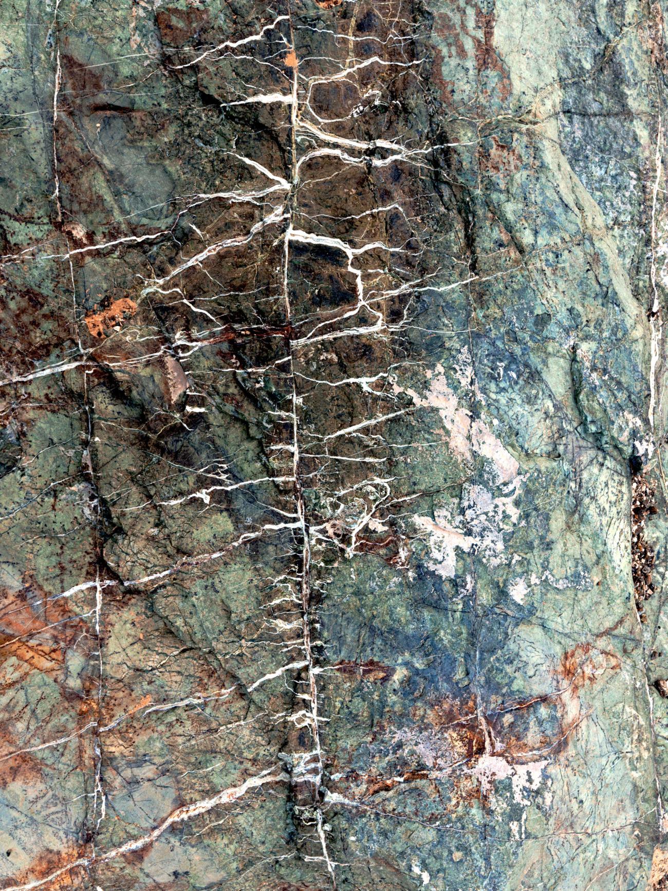 Loại đá 'nhiệm màu' có thể cứu Trái đất khỏi nóng lên vừa được tìm ra