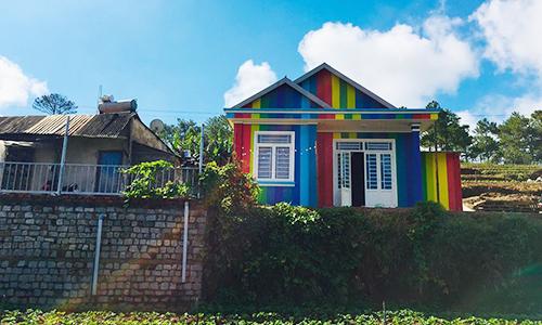 Ngôi nhà bảy sắc cầu vồng nổi nhất vùng ĐÀ LẠT