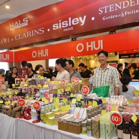 Nhiều thương hiệu cao cấp giảm 50% tại Hà Nội