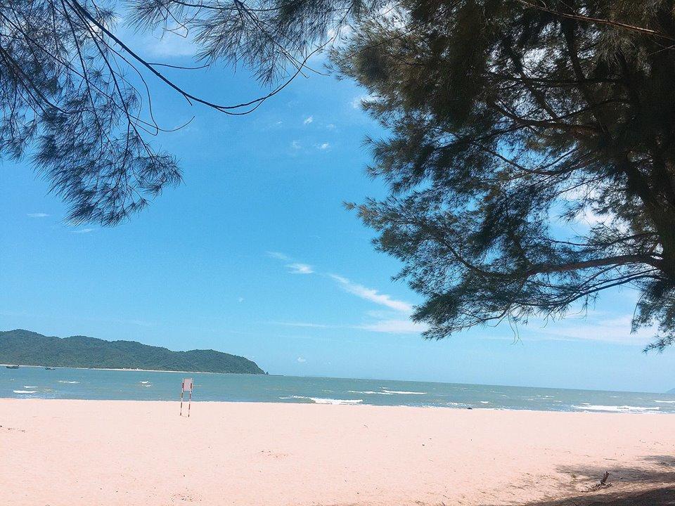 Trà Cổ bãi biển trữ tình và dài nhất Việt Nam